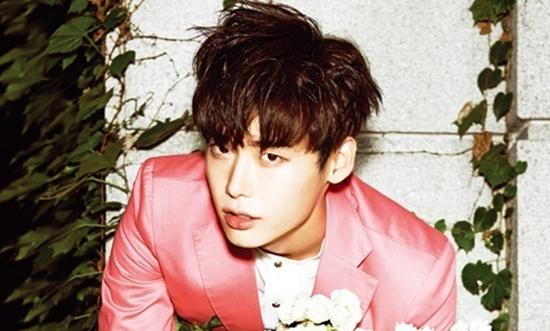 5.  LEE JONG SUK
