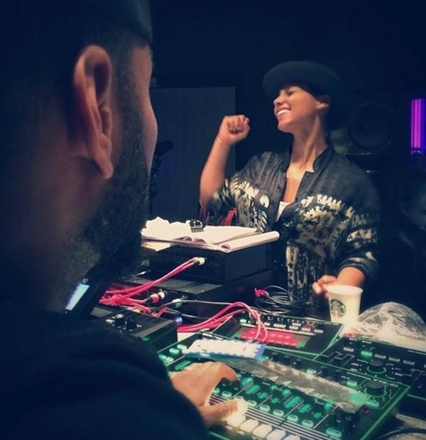 Alicia Keys hạnh phúc khi có thể cảm nhận được sự luồng cảm hứng cho album âm nhạc mới của mình.