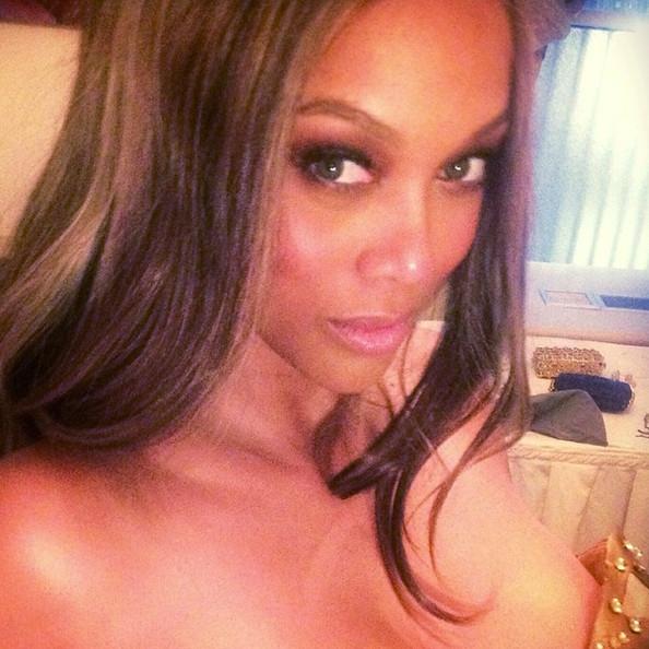 Với hình ảnh này, Tyra Banks trông như một cô gái đôi mươi xinh đẹp quyến rũ.