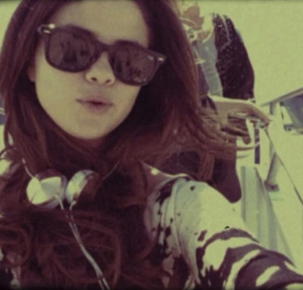 Selena Gomez khoe hình ảnh mới nhất trong chuyến đi du lịch xa.
