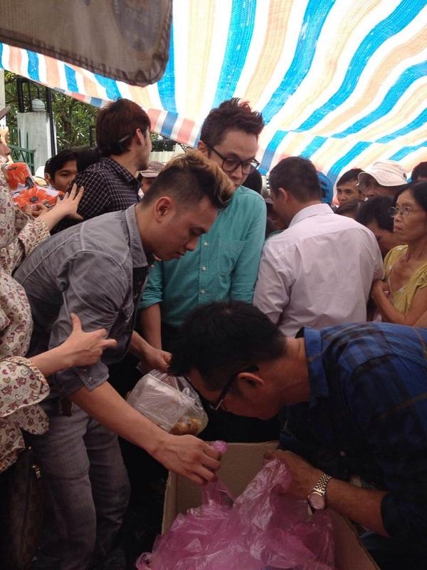 Nhật Tinh Anh cùng Hàn Thái Tú đi giúp đỡ bệnh nhân ung bướu tại TP HCM - Tin sao Viet - Tin tuc sao Viet - Scandal sao Viet - Tin tuc cua Sao - Tin cua Sao