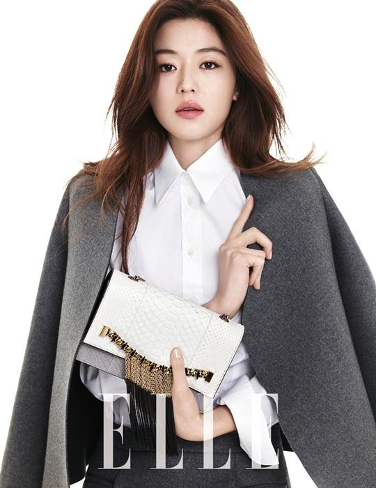 """Trước kia, """"minh tinh trái đất"""" Jun Ji Hyun muốn trở thành một tiếp viên hàng không. Trong một lần tình cờ, biên tập của một tạp chí thời trang đã phát hiện và thuyết phục cô thử sức với vai trò người mẫu. Sau đó, Jun Ji Hyun đã làm người mẫu một khoảng thời gian trước khi cô bắt đầu với bộ phim đầu tiên của mình White Valentine."""