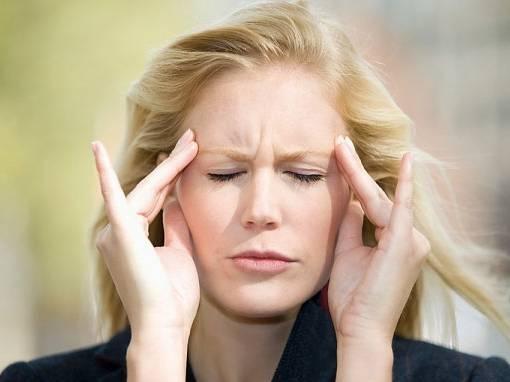 Nếu đầu ngày càng đau bạn cũng cần đi khám sớm