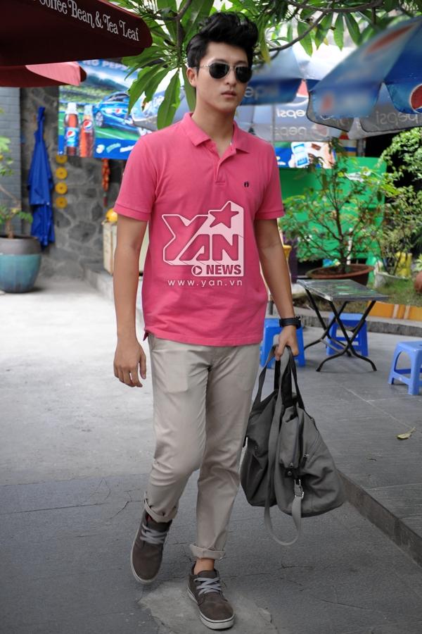 Harry cực thích màu hồng, màu hồng đẹp mà, thích những gì dễ thương và nhẹ nhàng (cười)