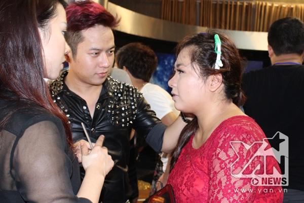 Minh Thùy make up trước giờ G - Tin sao Viet - Tin tuc sao Viet - Scandal sao Viet - Tin tuc cua Sao - Tin cua Sao