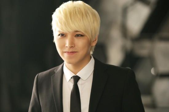Sungmin là thành viên kế tiếp của Super Junior sẽ lên đường nhập ngũ. Hiện tại anh đang chờ kết quả từ đơn vị quan hệ công chúng của phòng cảnh sát Seoul. Vì vậy, cơ hội anh nhập ngũ trong năm nay là rất cao.