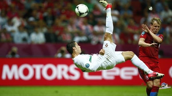 Ronaldo đứng đầu 20 cầu thủ xuất sắc nhất châu Âu mùa này