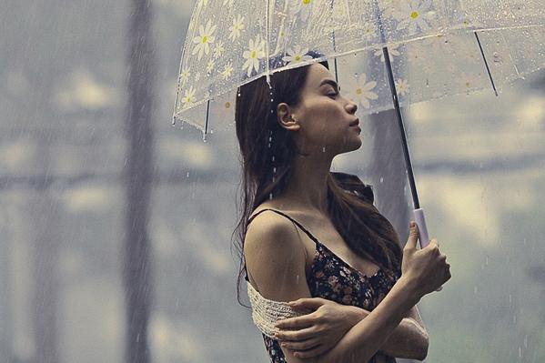 Đã phát hành 6 album chính thức, 2 album song ca, 2 album Love songs và nhiều single, nhưng có lẽ Mối tình xưa sẽ là một trong những album rất đặc biệt mà Hồ Ngọc Hà và ê kíp dành nhiều công sức, tâm huyết và đầu tư lớn đánh dấu chặng đường 10 năm ca hát của Hồ Ngọc Hà. - Tin sao Viet - Tin tuc sao Viet - Scandal sao Viet - Tin tuc cua Sao - Tin cua Sao