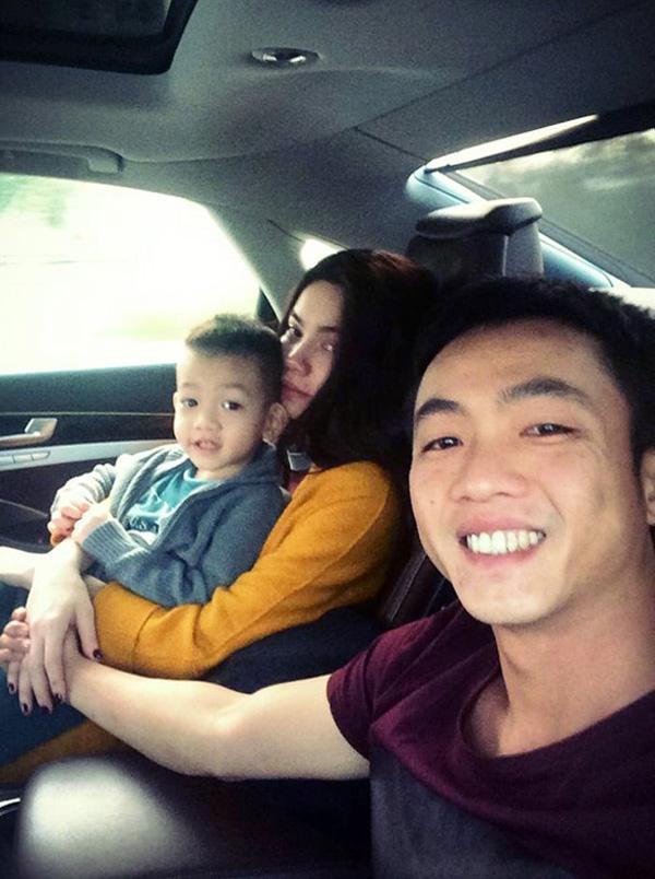 [STARBUZZ] Ngắm những hình ảnh hạnh phúc của gia đình Hồ Ngọc Hà