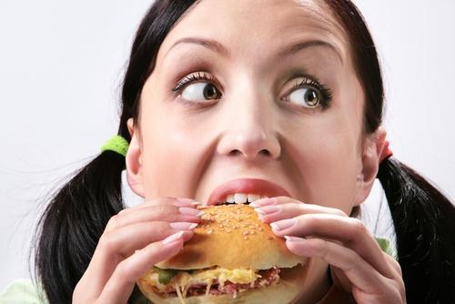 Làm dịu sự tức giận bằng cách tiếp cận với thực phẩm có thể gây phản tác dụng