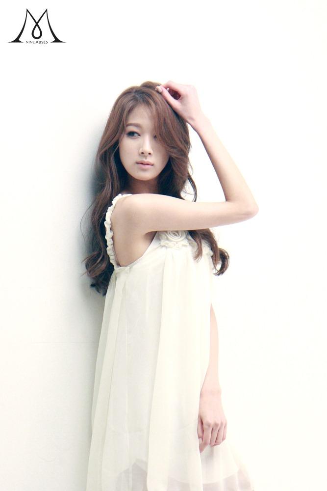 Top 10 thần tượng có ngoại hình đẹp nhất Kpop