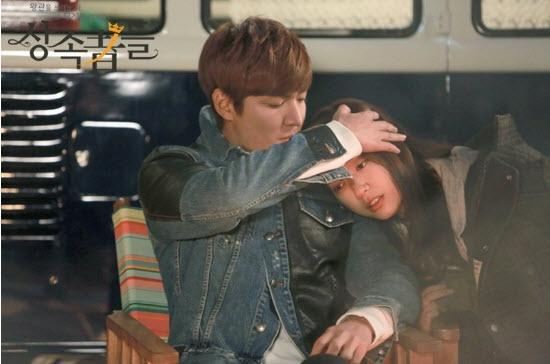 Những hành động vuốt tóc ngọt ngào nhất trên màn ảnh Hàn