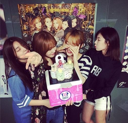 HyunA cùng 4minute mừng sinh nhật Gayoon