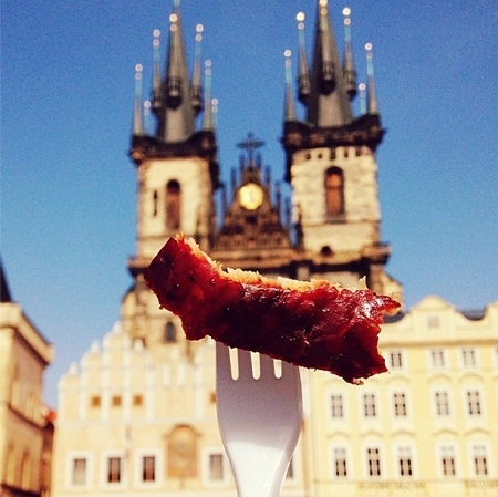 Thịt xông khói ở quảng trường Old Town, Praha, Cộng hòa Séc