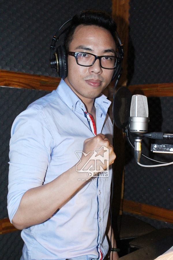 Nhạc sĩ Nguyễn Hồng Thuận đã kêu gọi các ca nhạc sĩ đình đám của cả 2 miền Nam - Bắc tham gia dự án lần này.