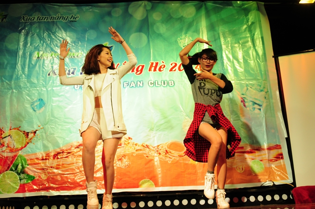 Ngay cả nhảy cũng nhí nhảnh hài hước thì chỉ có thể là Chi Pu