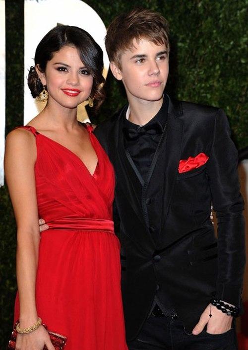 [STARBUZZ] Điểm danh những phong cách độc đẹp và xấu lạ của Justin Bieber