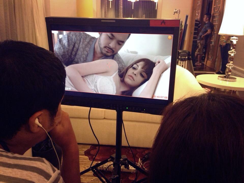 Một trong những hình ảnh hậu trường được Andrea tiết lộ trên trang cá nhân