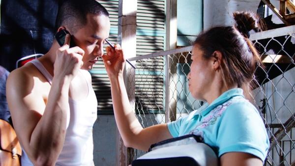 """Trong MV """"Yêu em là định mệnh"""", Cao Thái Sơn đã hoá thân vào vai một võ sĩ, trong lần va chạm ngoài mong muốn, anh đã phải lòng và thầm yêu một cô gái bị mất trí nhớ do chính tai nạn anh gây ra. - Tin sao Viet - Tin tuc sao Viet - Scandal sao Viet - Tin tuc cua Sao - Tin cua Sao"""