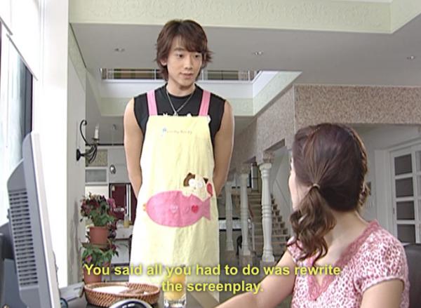 Tác phẩm đình đám Full House năm 2004 với diễn xuất của Bi Rain và Song Hye Kyo, trong đó Bi Rain vào vai một ngôi sao kiêu căng phải lòng cô gái biên kịch trẻ. Ở tập 12, nhân vật của Bi Rain ngoan ngoãn vào bếp để người yêu yên tâm làm việc. - Tin sao Viet - Tin tuc sao Viet - Scandal sao Viet - Tin tuc cua Sao - Tin cua Sao