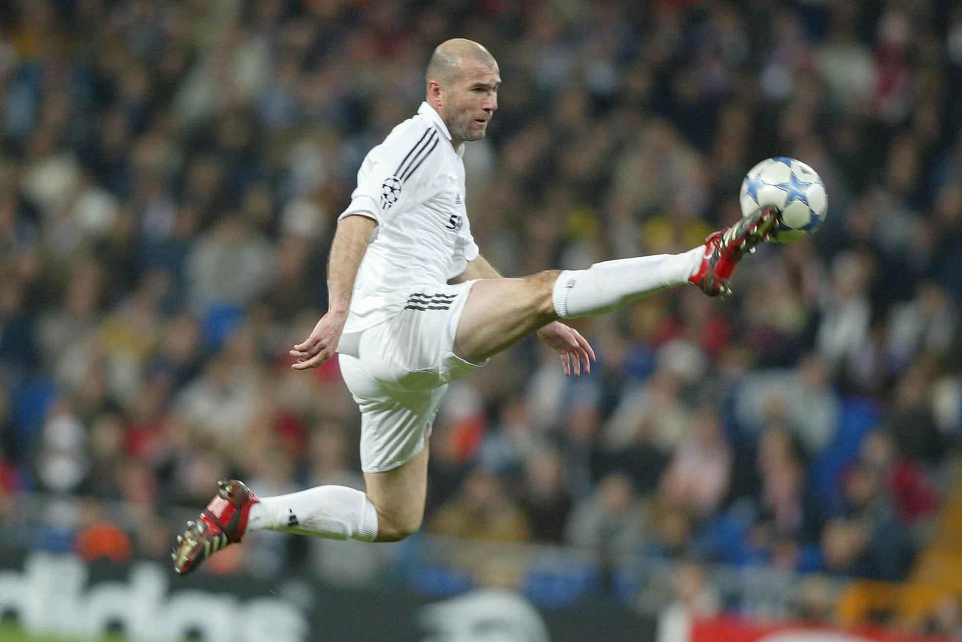 Zidane ngày còn tung hoành trên sân cỏ