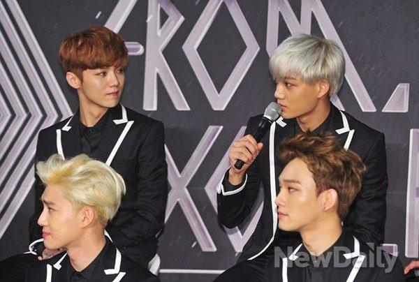 EXO bị tổn thương sau khi Kris kiện SM