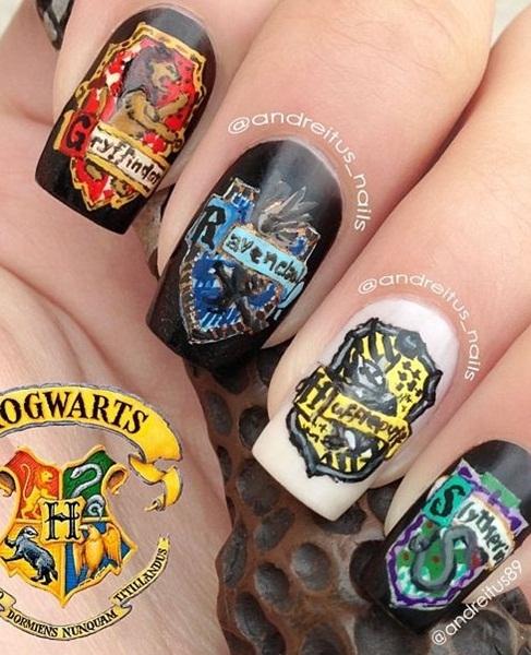 4 ngôi nhà quyền lực của trường học Hogwarts phép thuật.