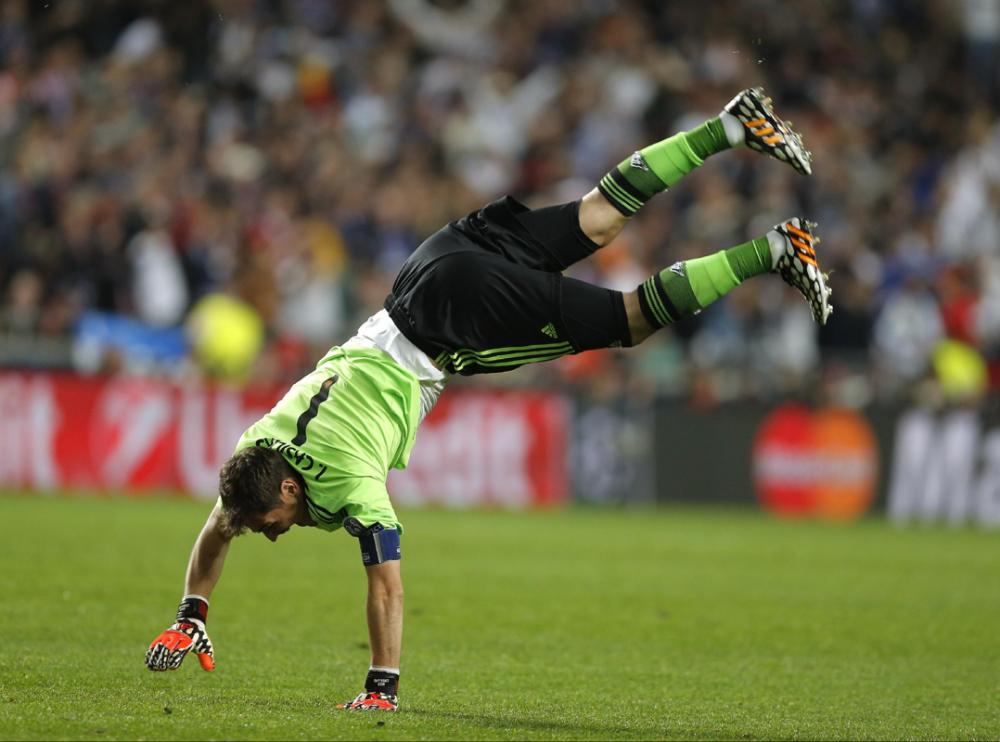 ... và thủ thành Iker Casillas