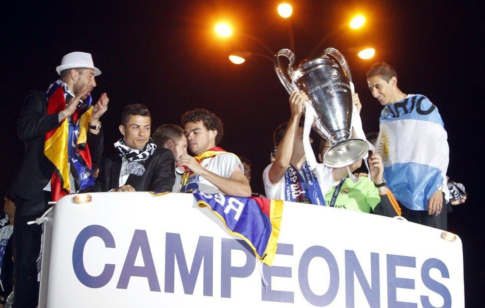[Bóng Đá] Champions League 2013/14: Những đế chế suy tàn