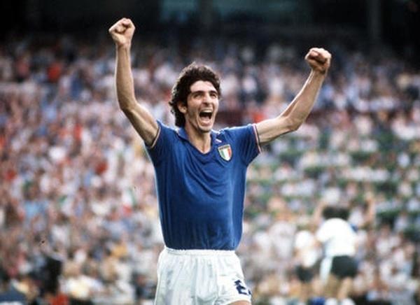 Paolo Rossingười đã xuất sắc ghi hattrick loại Brazil khỏi World Cup 82