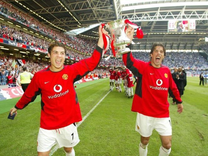 Nistelrooy và Ronaldo thời cùng thi đấu ở MU