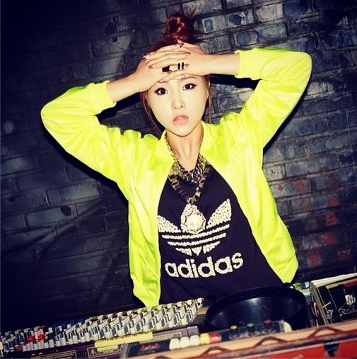 Minzy khoe hình quảng cáo cho nhãn hàng Adidas