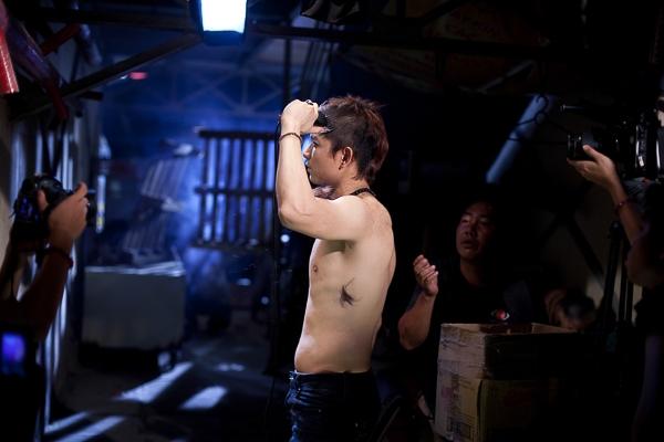 """Bị người yêu bỏ rơi, TIM """"xuống tóc"""" trong MV mới - Tin sao Viet - Tin tuc sao Viet - Scandal sao Viet - Tin tuc cua Sao - Tin cua Sao"""