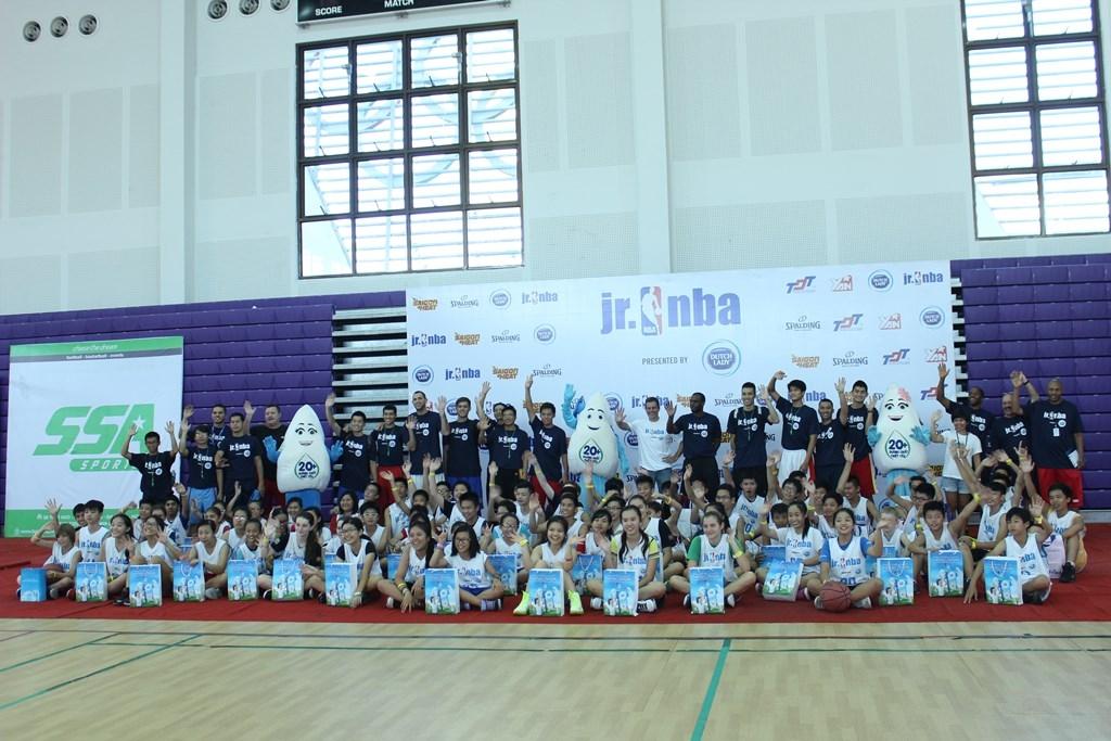 Học sinh Tp.HCM hào hứng dự tuyển đội bóng rổ Jr.NBA