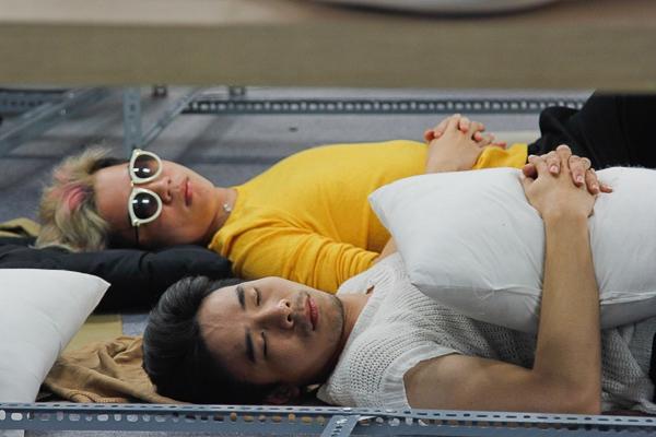 Xôn xao chuyện yêu đồng giới ở chương trình Project Runway