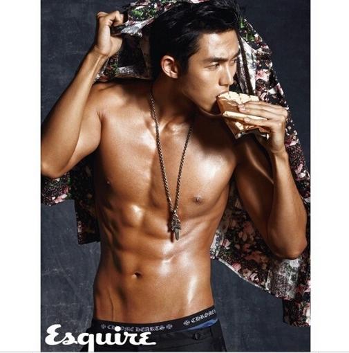 Seulong (2AM) khoe hình 6 múi cực quyến rũ trên tạp chí Esquire