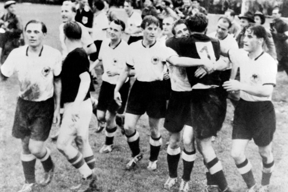 [Bóng Đá] Top 10 trận đấu bất ngờ nhất lịch sử World Cup