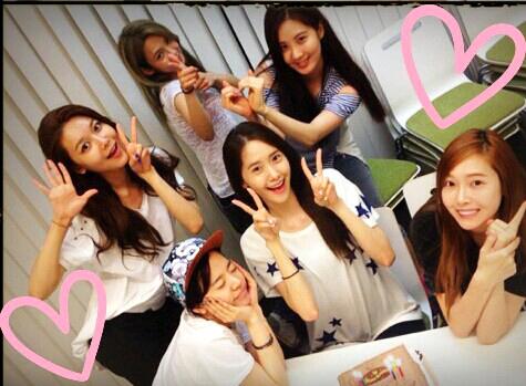 Yoona đón tuổi mới cùng SNSD tại Nhật Bản