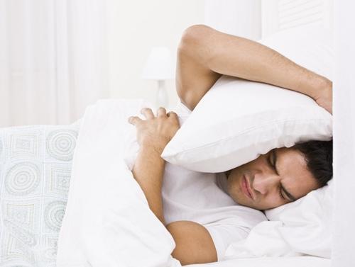 Suốt đêm trằn trọc sẽ gây ảnh hưởng xấu cho sức khỏe