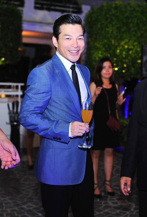 Đồng thời, anh cũng đã mời các cộng sự từ Mỹ về để phát triển công việc kinh doanh của công ty giải trí mang tên mình tại Việt Nam.