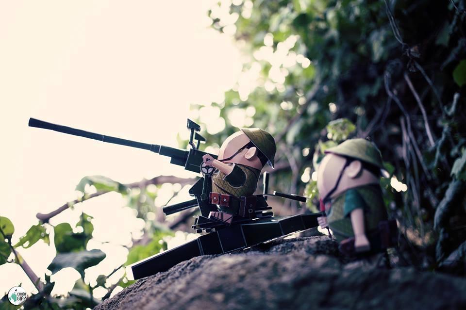 Ấn tượng Tình yêu nước từ giấy qua bộ ảnh mô hình quân đội Việt Nam