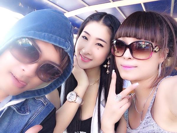 Hồ Quang Hiếu tình tứ với nữ DJ trên đất Nga - Tin sao Viet - Tin tuc sao Viet - Scandal sao Viet - Tin tuc cua Sao - Tin cua Sao