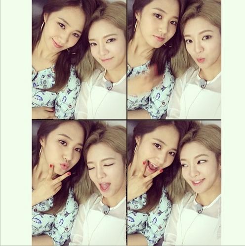 Hyoyeon khoe hình tự sướng cùng Yuri cực dễ thương