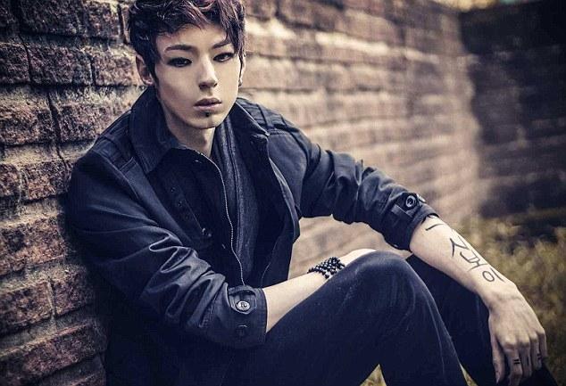 Vì yêu K-Pop, chàng trai Brazil phẫu thuật 10 lần để giống người Hàn Quốc