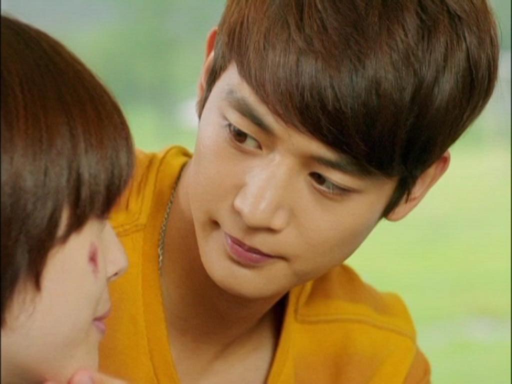 Không chỉ là sự cảm kích vì Jae Hee đã bất chấp tất cả để giả trai ủng hộ mình nhảy cao trở lại