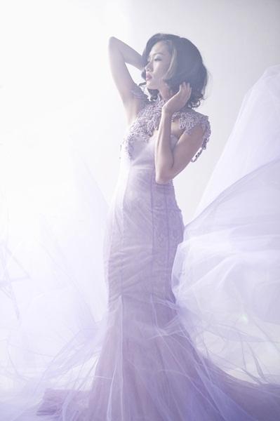 Ngắm Nhã Trúc đầy quyến rũ trong trang phục cô dâu cổ điển
