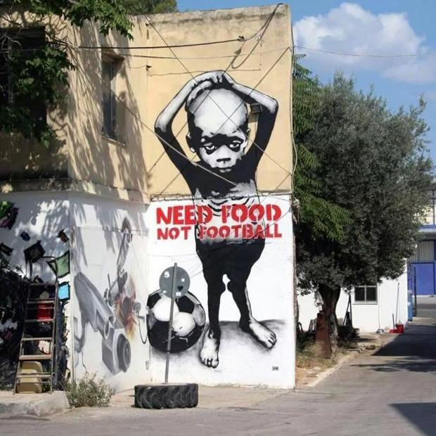 Thông điệp xuất hiện trên khắp các con phố ở Brazil