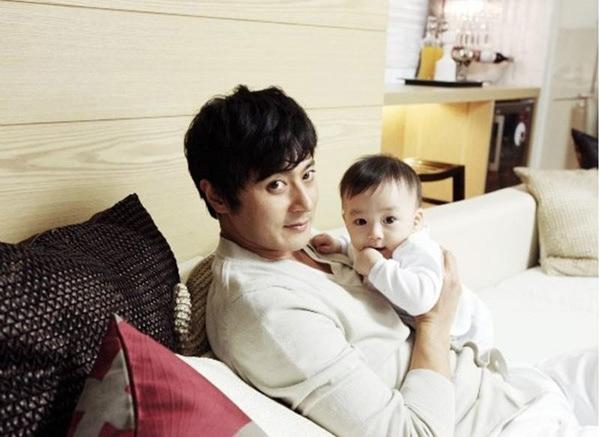 Jang Dong Gun: Con trai trông không giống tôi