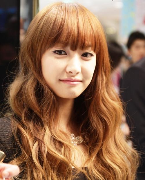 Victoria không phải là người Hàn, nhưng tên thật tiếng Hoa của cô là Song Qian - Tống Thiến