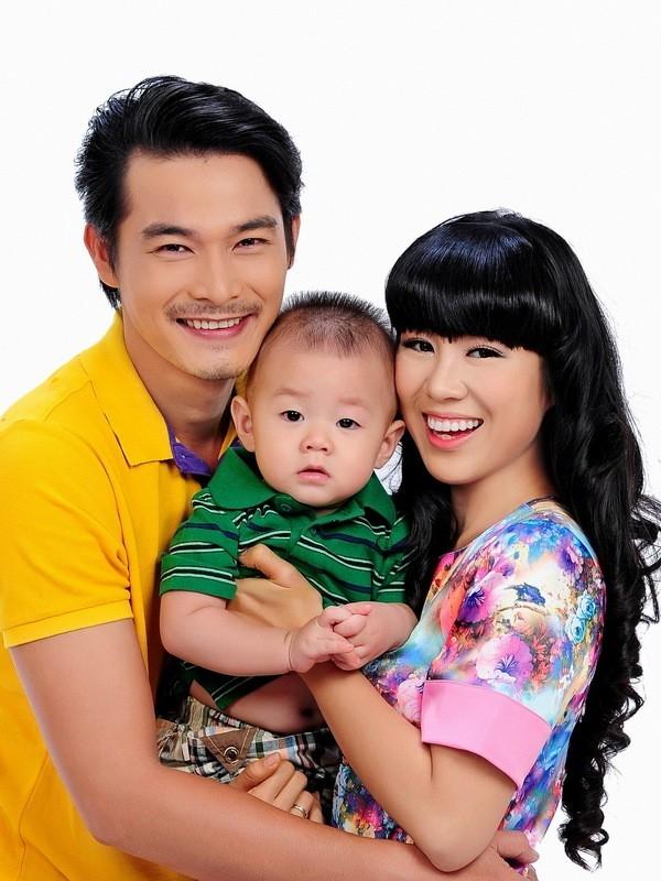Cặp đôi kết hôn năm 2012 và có với nhau một cậu con trai kháu khỉnh. - Tin sao Viet - Tin tuc sao Viet - Scandal sao Viet - Tin tuc cua Sao - Tin cua Sao